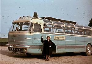 Нажмите на изображение для увеличения Название: перенесемся в Венгрию 1959 года. Перед вами — красавец Ikarus 55 с панорамными окошками в сводах.png Просмотров: 0 Размер:584.3 Кб ID:1408506