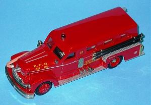 Нажмите на изображение для увеличения Название: Seagrave Limousine Cab Pumper Detroit 1955  AH75G.jpg Просмотров: 0 Размер:194.7 Кб ID:1248948