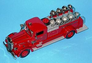 Нажмите на изображение для увеличения Название: Ward LaFrance 1937 Searchlight Truck F.D.N.Y. AH86.jpg Просмотров: 0 Размер:227.3 Кб ID:1248954